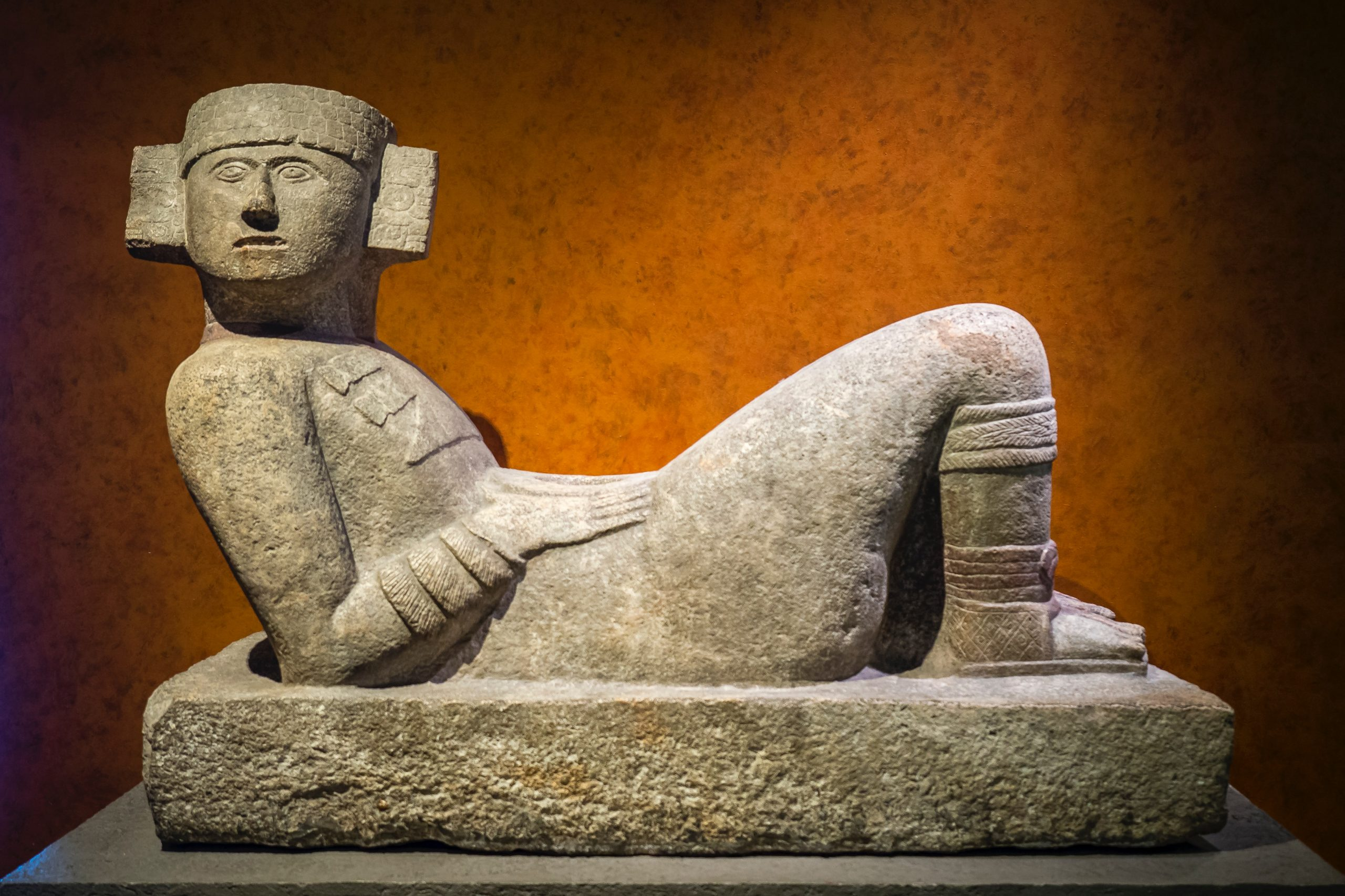chacmool-statue