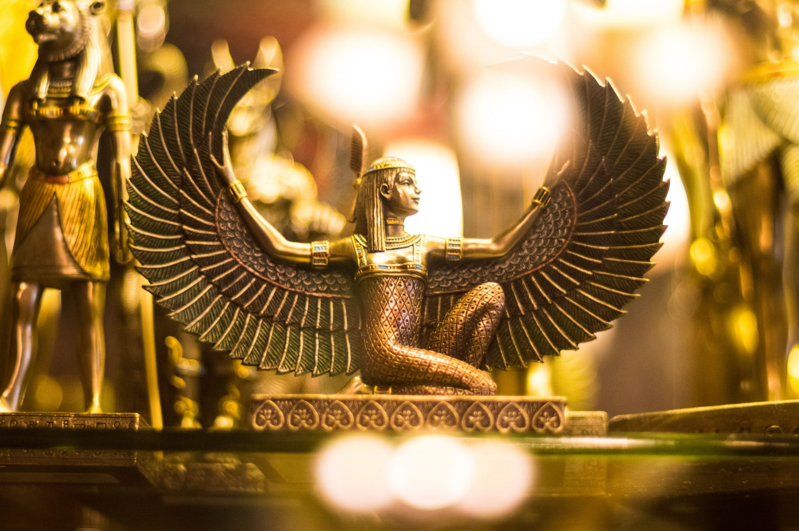 egyptian-statue-of-isis-divine-mother-kundalini